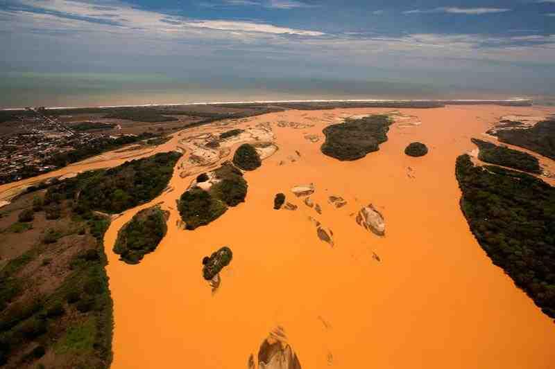 Rio Doce Samarco desastre ambiental