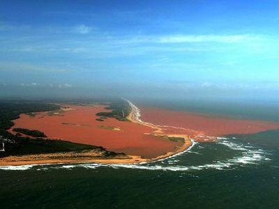 Brasil rios y mar contaminados por relaves