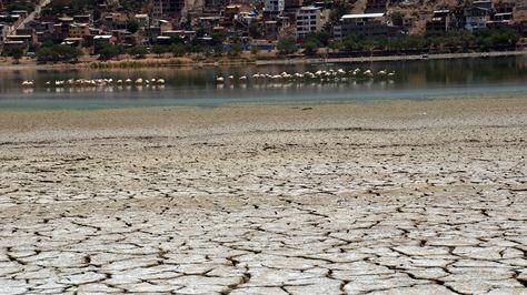 sequia laguna Alalay Cochabamba LRZIMA20161007 0015 3