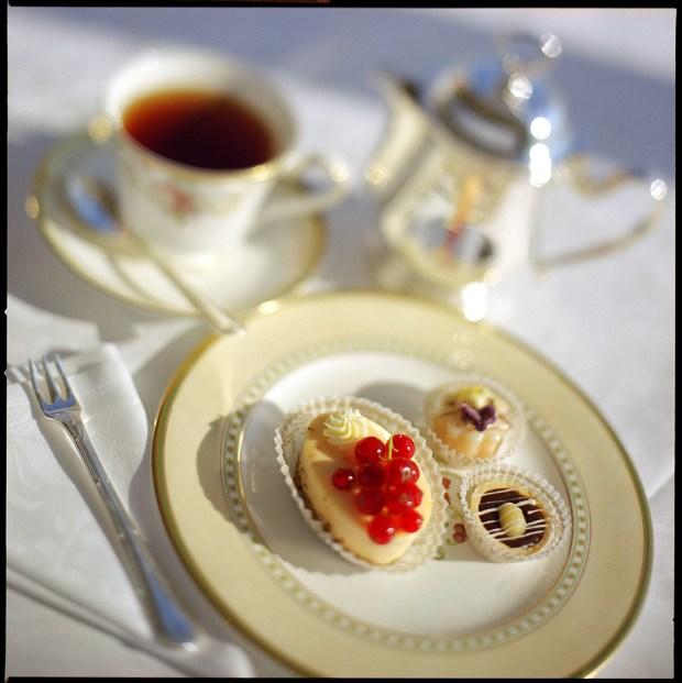 Crystal_Cruises_Afternoon_Tea2