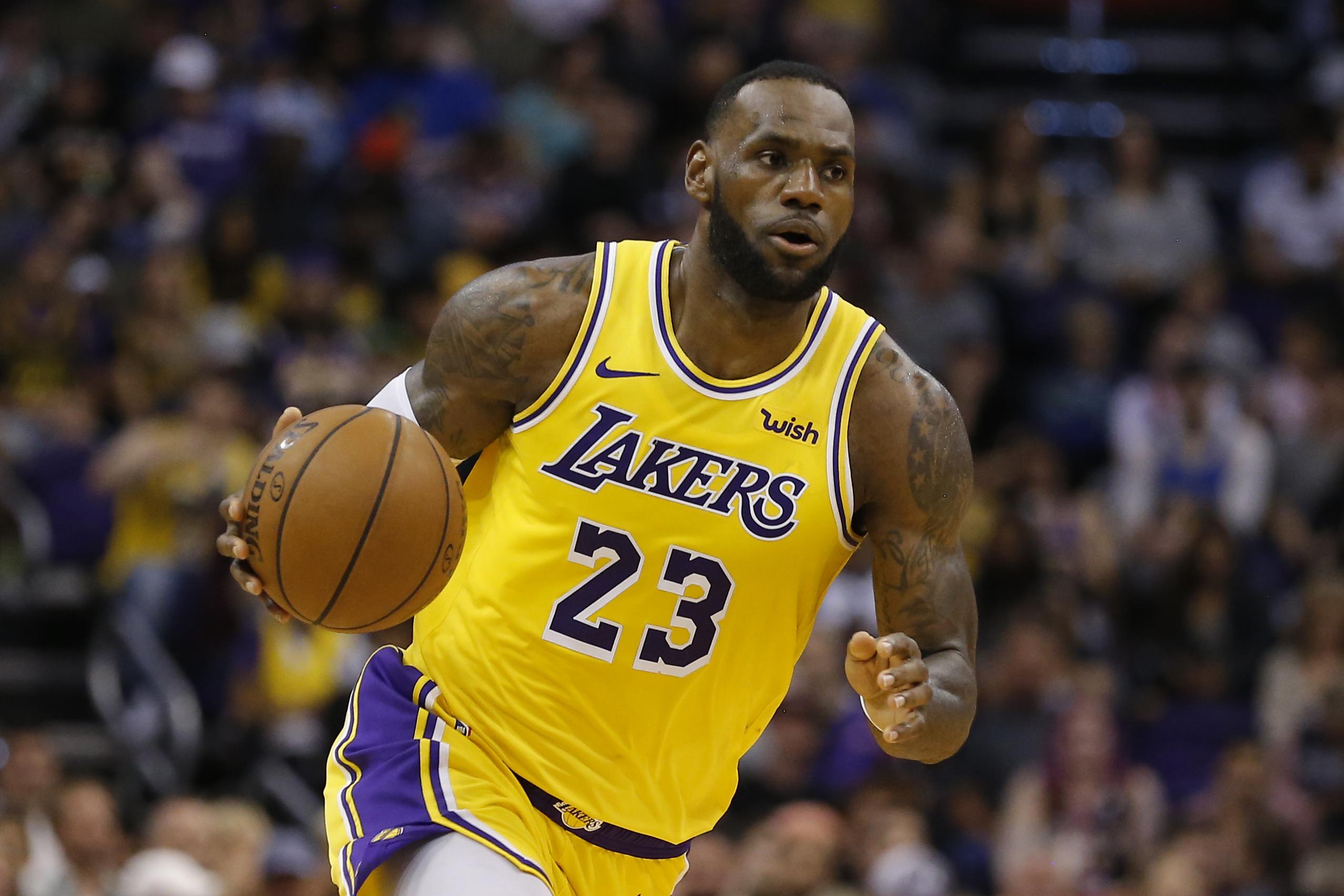 be44b77e6bd0 Watch LeBron James move past Michael Jordan on NBA s all-time ...