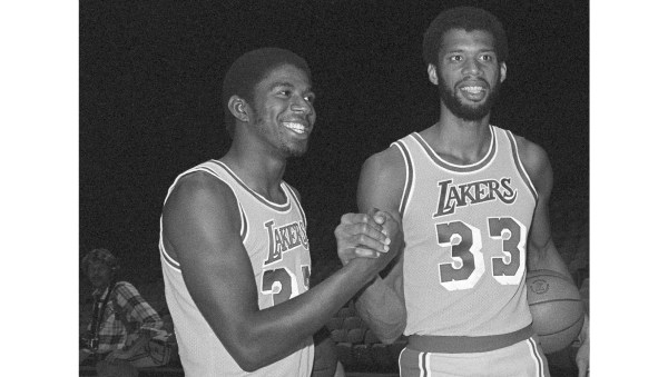 Whicker: Forty years ago, a Lakers-Clippers Opening Night opened up a new era