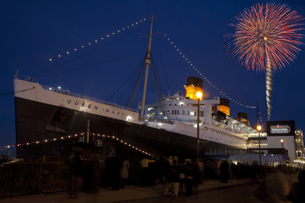 Find a place to party on New Year s Eve     Orange County Register Ring in the New Year aboard the Queen Mary with seven parties featuring  various musical acts  countless culinary creations and two fireworks  displays
