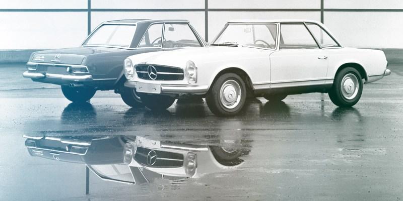 Zwei Mercedes-Benz 250 SL stehend