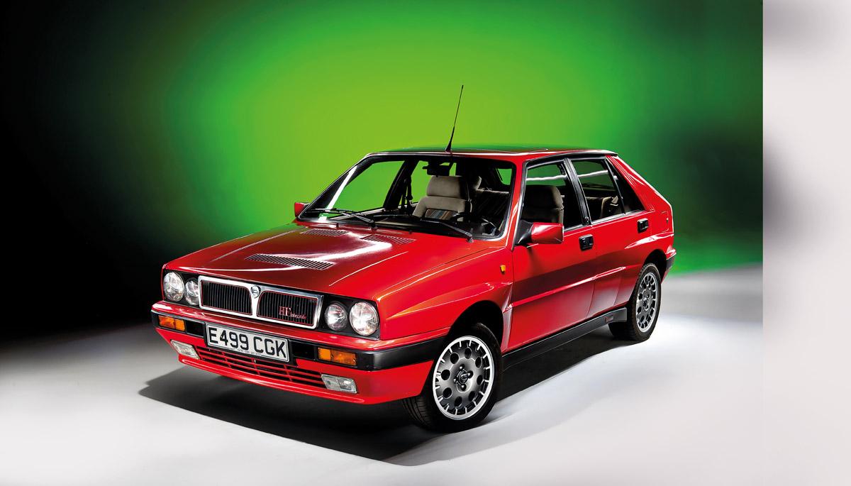 Lancia Delta Integrale HF stehend