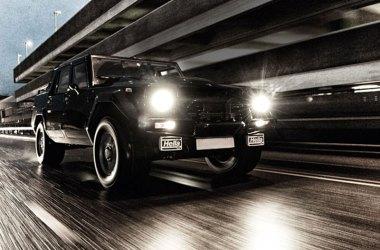 Lamborghini LM002 bei voller Fahrt