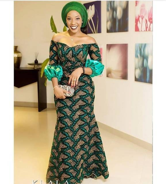 Aso Ebi Styles 2020 aso ebi styles 2020 - Aso Ebi Styles 2020 9 577x640 - 30 Aso Ebi Styles 2020 For Classy African Ladies To Try Out