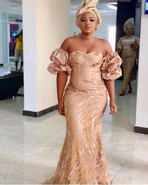Gold Lace AsoEbi Dresses gold lace asoebi styles - 51573137 2138366612873716 2874719806602323747 n 512x640 - These 25 Gold Lace AsoEbi Dresses Are Nothing But Stunning and Gorgeous