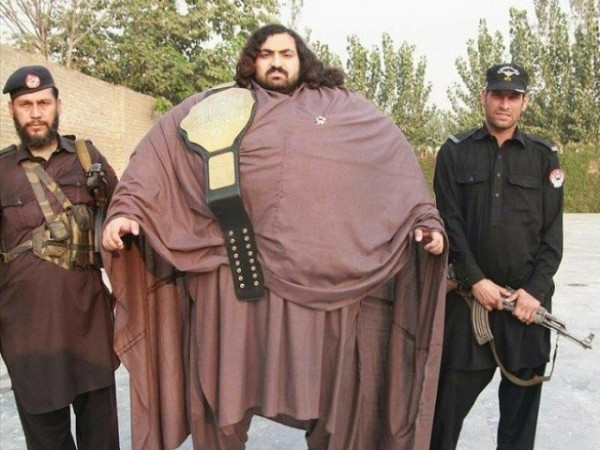 Khan-Baba-Pakistan-Hulk