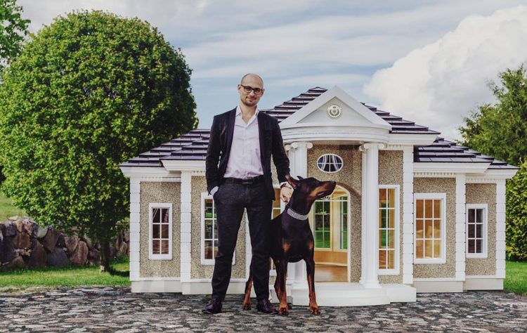 https://i2.wp.com/www.odditycentral.com/wp-content/uploads/2017/06/luxury-dog-mansions-750x474.jpg