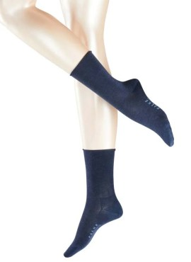 Model wearing FALKE Active Breeze Damensocken