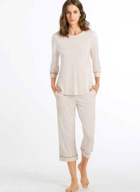 HANRO Pyjama Natural Comfort ¾ lang TENCEL™ Lyocell almond