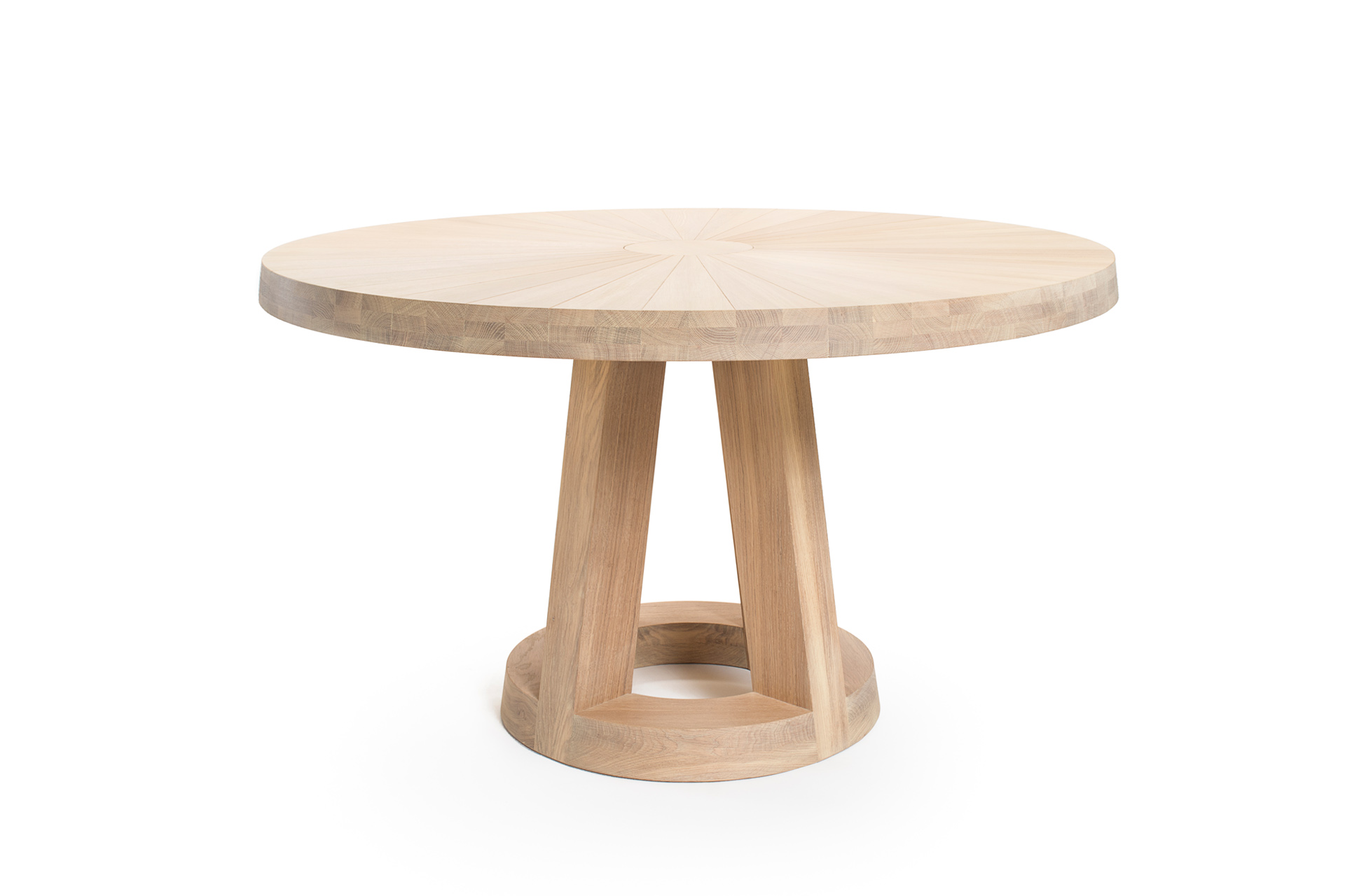Solid round design table l Remy Meijers l Odesi  Your Dutch Design  Ronde eettafel design
