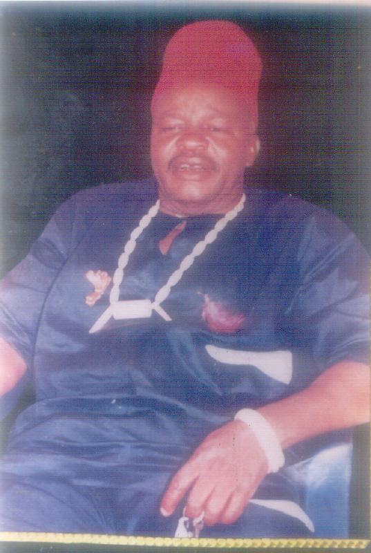 Chief Fredrick Dike , Enwenata Ozo Agulu ( Dibia Nwata)