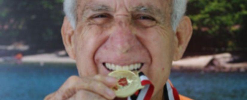 Implantes dentais podem ser a resposta para sorrir confiante na melhor idade
