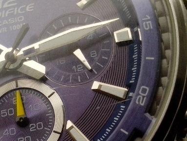 Jak opravit poškrábané sklíčko u hodinek?