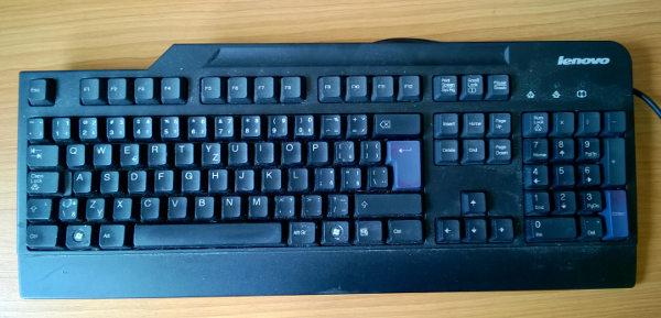 Jak vyčistit zasviněnou klávesnici?