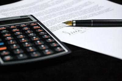 smlouva a kalkulačka
