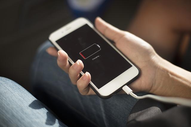 Jak rychle nabít mobilní telefon?