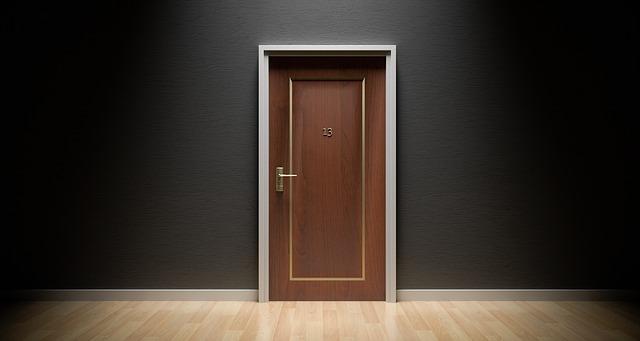Jak určit stranovou orientaci dveří