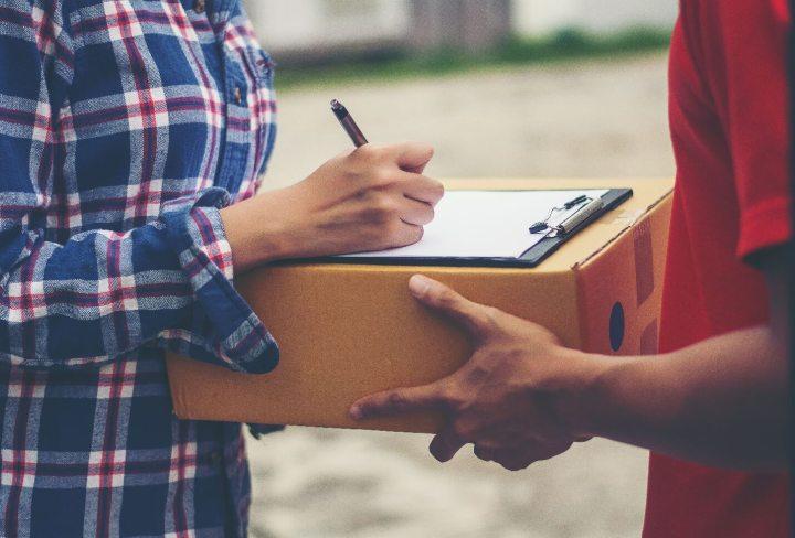 Jak poslat zásilku do zahraničí rychle a levně?