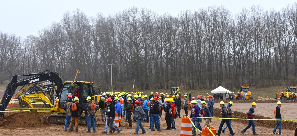 Whitmer applauds Construction Career Days for opening door to good paying jobs in skilled trades