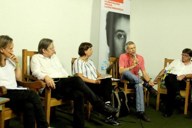 Daniela Chiaretti, Thomas Fatheuer, Verena Glass, Winnie Overbeek, Wilfried Telkämper e a tradutora Claudia Dornbusch. Foto: