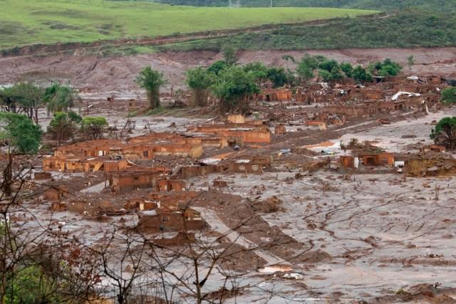 Em 05 de novembro de 2015, houve o rompimento das barragens de rejeitos da mineradora Samarco – de propriedade da multinacional brasileira Vale e da australiana BHP Billiton –, na região de Mariana (MG). Foto: Rogério Alves/TV Senado.