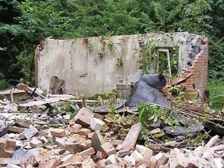 Bild 5: letzte Mauerreste, 2008, Foto Bendler.