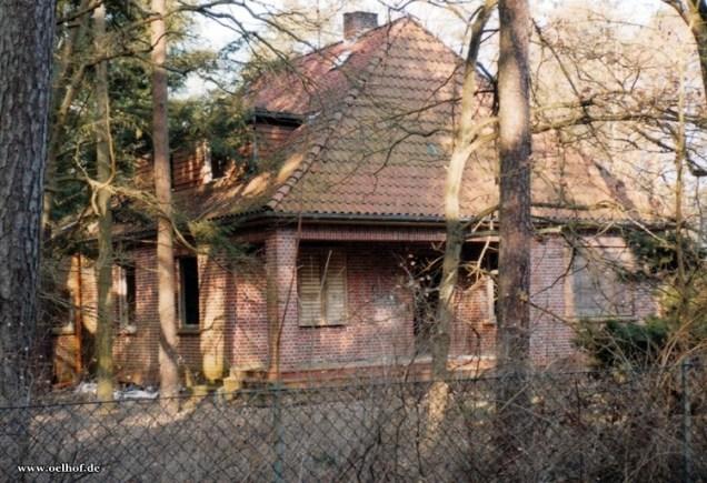 Bild 9: Ehemaliges Gebäude Nr.60, zunehmender Verfall, Foto Bendler.
