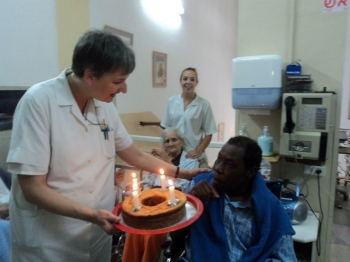 Soeur Monika à l'hôpital Saint-Louis de Jérusalem