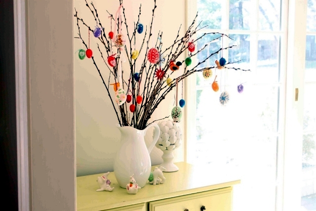 Take a small tree own Easter eggs     21 decorating ideas for Easter     If you are looking for beautiful decorating ideas for Easter  then check  out these trees Easter egg  To decorate the Easter tree is a beautiful  tradition