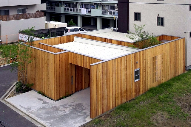 Modern Minimalist House With Garden In Nishimikuni Japan