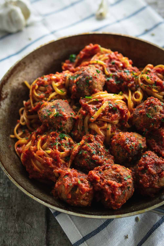 Nudeln Meatballs Fleischbällchen Tomatensauce Ofen offen Foodblog