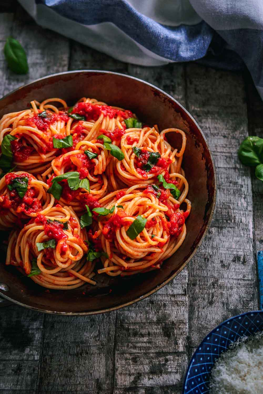 Tomatensoße italienische Tomaten Sauce Spaghetti mit Tomatensauce Nudeln Pasta