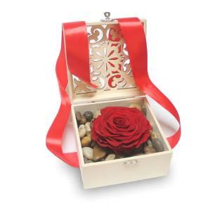 nuevos cajas de madera con flores y piedras decorativas