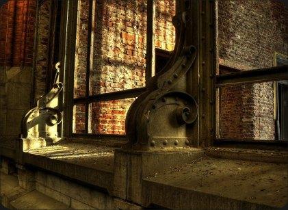 03 - Hall detail