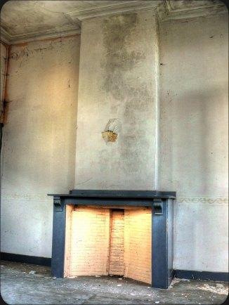 06 - Fireplace
