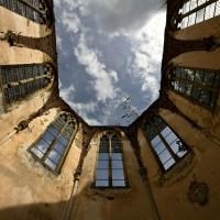 A Bargain! - Eglise sans toit