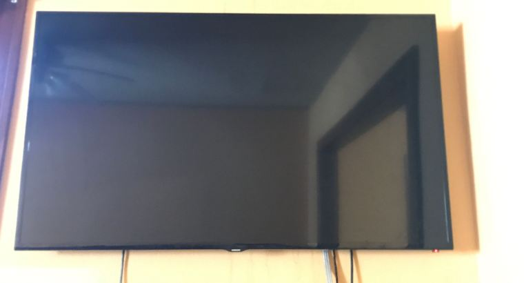 55 inch Samsung smart TV $150.00