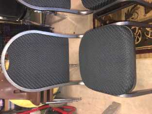 Set of 3 Cushioned office chairs