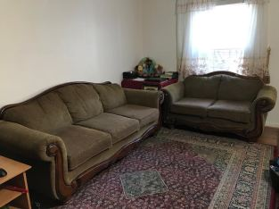 2 piece Couch w Table
