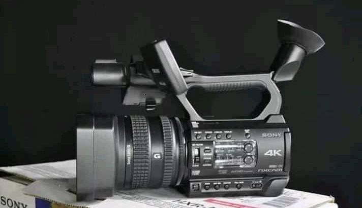 SONY 4K HXR-NX200 NXCAM HANDHELD CAMCORDERS