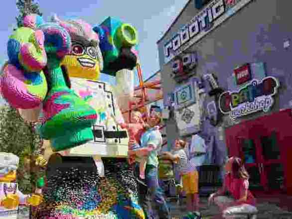 ToysRUs-Legoland-Contest