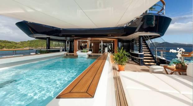 solandge yacht deck