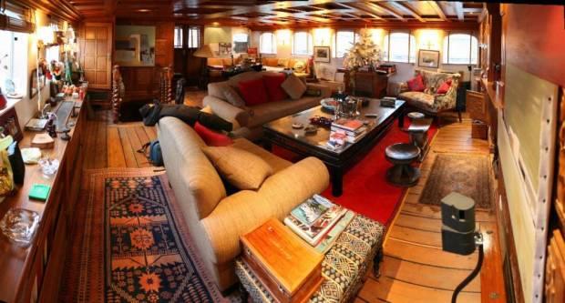 yacht winston living