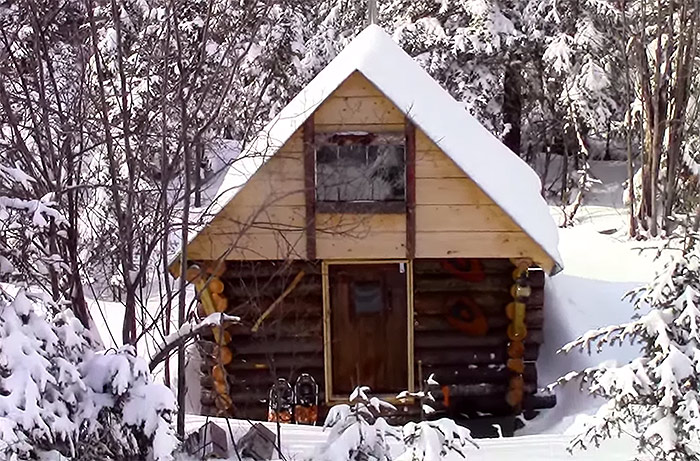 off-grid-cabin-in-the-woods6