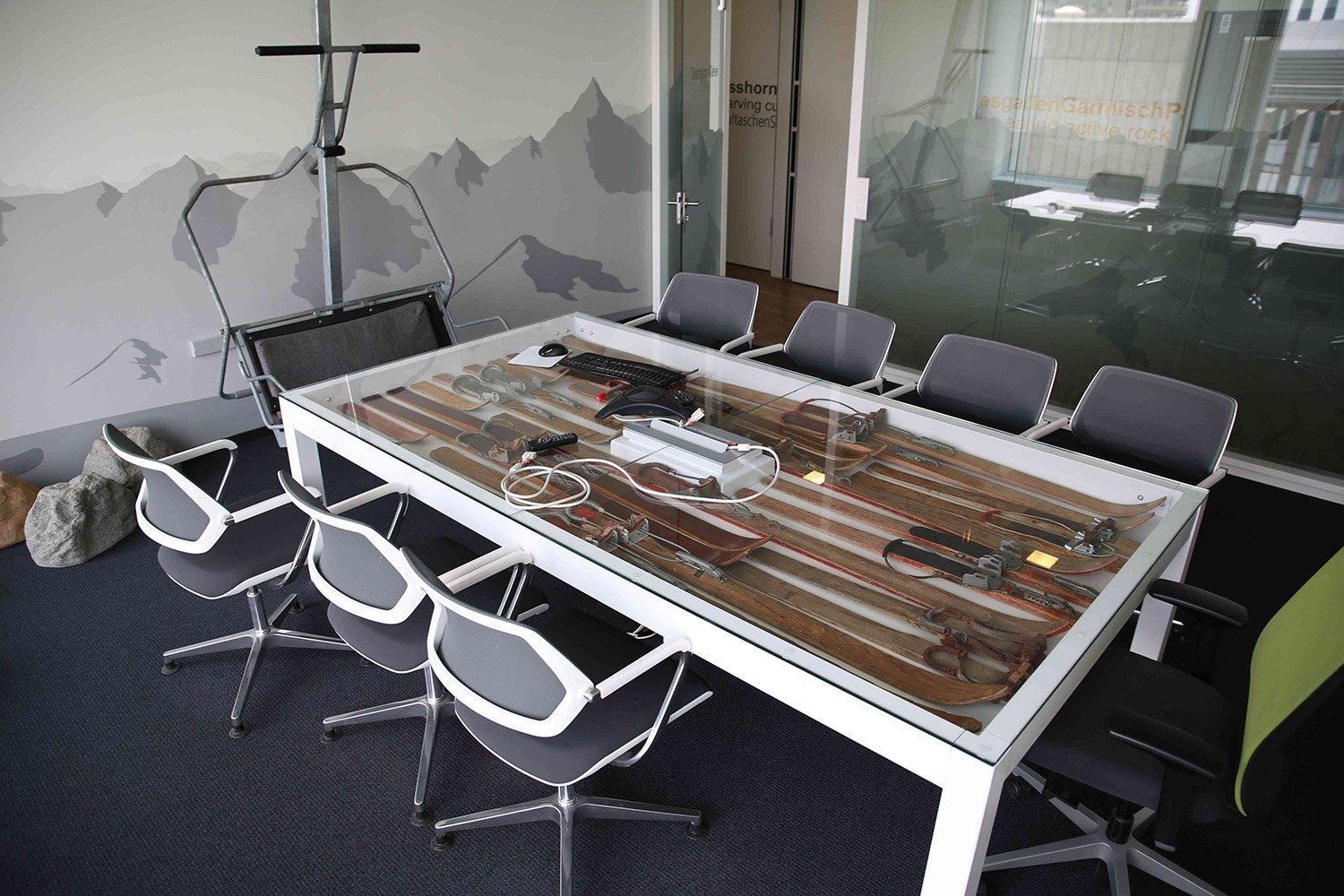 A Look Inside Trivagos Dsseldorf Office Officelovin