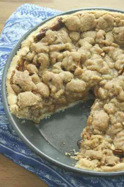 Cookie Crumble Topped Apple Pie