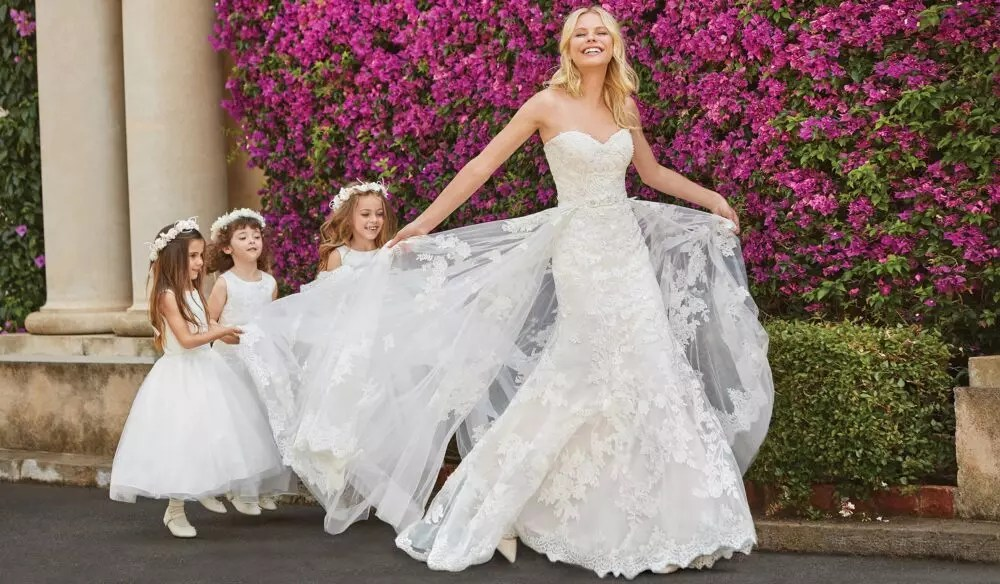 25 Best Wedding Dresses For Tall Brides In